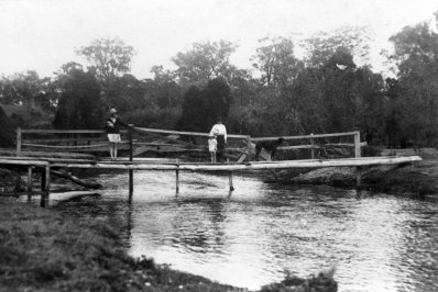 North Pine River Footbridge